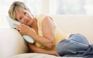При климаксе может быть слабость в ногах